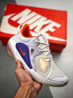 Kicks by FDS, Kepong, Kuala Lumpur, Malaysia. Fashion Shoes, Men's Fashion, Online Album, Foot Toe, Latest Updates, Runners, Trendy Fashion, Nike Air Max, Nike Shoes