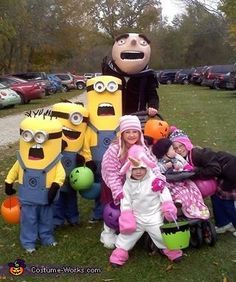 Despicable Me Family - Halloween Costume Contest via @costume_works