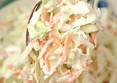 Ensalada de repollo zanahoria rallada y mallonesa