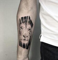 Shattered lion by Shpadyreva Julia