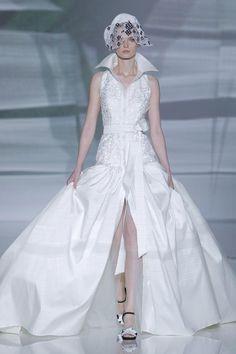 ISABEL ZAPARDIEZ   Bridal Crazy Wedding, Wedding Fun, Wedding Wishes, Steam Punk, Wedding Fotos, Barcelona, Boho Vintage, Bridal Fashion Week, Formal Dresses