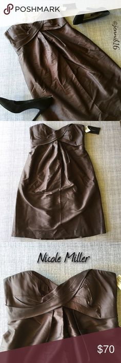NWT Nicole Miller cocktail dress ⭐NWT Nicole Miller stunning chocolate brown cocktail dress. Fully lined with sweetheart neckline. Material has a subtle sheen to it. Originally purchased at Bloomingdales but never worn. Perfect for an evening wedding or any formal event.  ⭐️Nicole Miller. NWT. Pristine condition. Size 10.   ✅ REASONABLE offers encouraged!  ❌ No trades, lowball offers will be ignored  ✅ Measurements available by request  Bundle discounts available!  Nicole Miller Dresses…