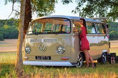 Volkswagen – One Stop Classic Car News & Tips Vw Bus T2, Volkswagen Minibus, Bus Camper, Vw T1, Volkswagen Beetles, Kdf Wagen, Bus Girl, Pin Up, Combi Vw