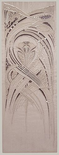 Embroidery done using art nouveau influence. The pattern is striking and the lines curve and end with ease. This depicts the true flow of the movement of Art Nouveau. Hector Guimard, Design Art Nouveau, Jugendstil Design, Art Du Fil, Textiles, Art Textile, Silk Painting, Fabric Art, Metropolitan Museum