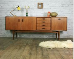 G plan cabinet. Perfect for a record player!