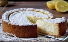 Soft Lemon and Ricotta Tart - 180 ° C Sweetness Lemon Recipes, Sweet Recipes, Cake Recipes, Popular Italian Food, Italian Food Restaurant, Ricotta Cheesecake, Torte Cake, Pastry Art, Italy Food