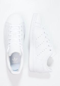 De 14 bedste billeder fra Hvide sneakers i 2020   Hvide