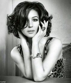 Monica Bellucci (for Cartier) . I really would give so much to have my hair… Monica Bellucci, Keira Christina Knightley, Italian Actress, Celebrity Kids, Tips Belleza, About Hair, Most Beautiful Women, Beautiful Actresses, Beauty Women