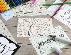 10 jolies cartes à colorier et à offrir pour toutes occasions de la marque hoodoo. Cheer, Happy Holidays, Pretty Cards, Humour, Cheer Athletics