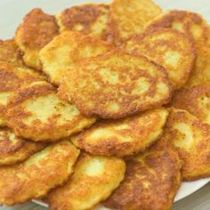 brunch ideen I strongly believe that this is one of those recipes every housewife needs to know. This Potato Pancakes recipe, requires just a few common ingredients, and I have never met Indian Food Recipes, Vegan Recipes, Cooking Recipes, Russian Food Recipes, Vegetarian Recipes For Kids, Indian Potato Recipes, Vegetarian Sandwiches, Going Vegetarian, Vegetarian Dinners