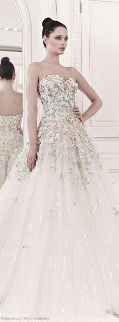 """Hot bride""... Zuhair Murad | Bridal, Summer 2014  Keywords: #weddinggowns #zuhairmuradbridalgowns #jevelweddingplanning Follow Us: www.jevelweddingplanning.com  www.facebook.com/jevelweddingplanning/"