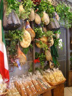 italian Market - M Italian Life, Italian Style, Antipasto, Italian Market, Italy Food, Italian Recipes, Italian Foods, Sicily, Farmers Market