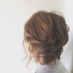 オフィスでのヘアスタイルに、悩んでいませんか?いつでもどこでも可愛くいたいのが女心。忙しい大人女子のために、簡単なヘアアレンジだけを集めました。不器用さん必見!オフィスにも使える、大人の簡単ヘアアレンジ8選をお教えします。