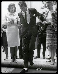 Dean Martin putting his footprints in concrete, supported by Claudia and Jeanne [Caption via source] Hollywood Walk Of Fame, Hollywood Stars, Old Hollywood, Martin King, Dean Martin, Joey Bishop, Peter Lawford, Old Movie Stars, Jerry Lewis