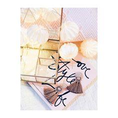 """Polubienia: 214, komentarze: 15 – Marcelina x Workshop (@marcelinaworkshop) na Instagramie: """"Pamiętajcie widzimy sie dzis w Złotych Tarasach na otwarciu Homla ❤️ #flatlay #flatlayforever…"""""""