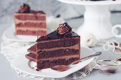 Tort amandina, cu blat de cacao, sirop de rom si crema de unt Unt, Tiramisu, Sweets, Cake, Ethnic Recipes, Desserts, Food, Essen, Tailgate Desserts