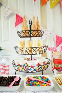 décoration de table d'anniversaire en été pour enfant avec glace