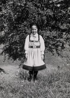 Portrait of a girl in a Setesdal-costume. Photographs from Setesdal around 1940-42.
