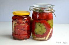 Gogoșari murați pentru iarnă - rețeta de gogoșari marinați | Savori Urbane Mason Jars, Urban, Salads, Mason Jar, Glass Jars, Jars