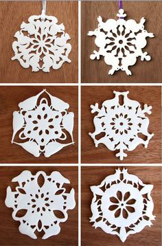 Incredible animal snowflakes - look closely at these snowflakes.each has an animal cutout along the outer edge! No template - so be inspired to maybe create your own! Paper Snowflakes Easy, Snowflake Origami, Paper Snowflake Designs, Paper Snowflake Template, Snowflake Cutouts, Simple Snowflake, Origami Templates, Christmas Snowflakes, Christmas Projects