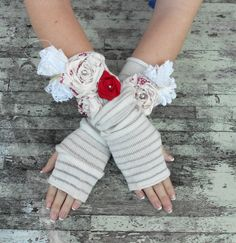 Shabby chic arm warmers -- these are fun!