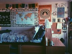 cute dorm room set up