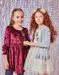 ✨Noche mágica ➤➤ desliza y descubre prendas para fiestas y eventos en nuestra colección #FunXMAS. #GIRLbyStudioF  Look izquierda: Vestido Ref. K140377  Look derecha: Balaca Ref. K210192 Buso Ref. K260092 Vestido Ref. K140325 Calzado 'On wheels' Ref. K080005  #Fashion #Moda #StudioF #StudioFCol #StudioFColombia #Style Color Mauve, Winter Tops, Velvet Tops, Swagg, Girl Outfits, Tunic Tops, Fashion Moda, Lace, Fun