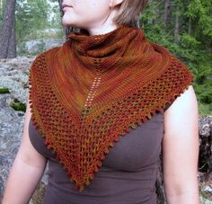 Ravelry: Eiku pattern by Reeta Korhonen free Crochet Shawls And Wraps, Knitted Shawls, Crochet Scarves, Knit Crochet, Shawl Patterns, Knitting Patterns Free, Free Pattern, Knitting Accessories, Shawl