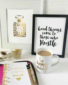 Pretty Desk Styling & Art Prints - gold office decor for your desk! Work Desk, Office Desk, Gold Office, Office Chairs, Desk Styling, Desk Inspiration, Desk Inspo, Blog Planning, Home Office Decor