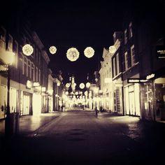 Alkmaar shoppingstreet @ night..