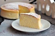 Japán sajttorta | Sütigolyó Cakes And More, Cornbread, Fondant, Cheesecake, Food And Drink, Ethnic Recipes, Cupcake, Millet Bread, Cheesecakes