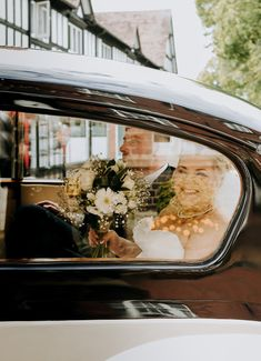 A happy newlywed couple arriving at their wedding venue in a retro black and white car ♡♡ Corporate Photography, Wedding Photography, Photography Ideas, Car Wedding, Wedding Venues, Business Events, Documentary Photography, Retro Cars, Newlyweds