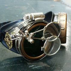 Navy Blue Steampunk Goggles https://www.steampunkartifacts.com/collections/steampunk-wrist-watches