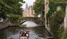 Met de GR verlaten we het charmante plaatsje langs de oude stadswallen, de Polderstraat en het Zuidervaartje tot aan de Brugse Dampoort.