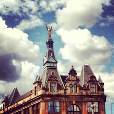 Statue of Commerce & Industry - Angel Building by @hymt