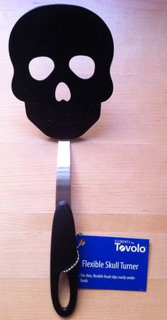 Brand New! Tovolo Black Nylon Flexible Skull Kitchen Turner Spatula- love this and need one for my kitchen Kitchen Supplies, Kitchen Items, Kitchen Gadgets, Kitchen Decor, Kitchen Things, Kitchen Stuff, Spooky House, Gothic Kitchen, Goth Home Decor