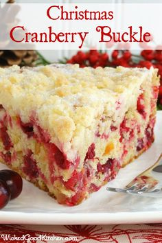 Christmas Cranberry Buckle with Sugar Cookie Streusel {gluten free option} by WickedGoodKitchen.com #Christmas #cake #recipe