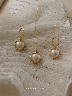 Cute Jewelry, Jewelry Shop, Jewellery, Delicate Gold Necklace, Vintage Heart, Royal Jewels, Pearl Ring, Gold Ring, Minimalist Jewelry