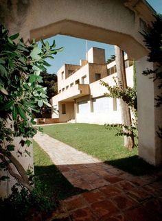 villas gabriel and robert ri 39 chard on pinterest. Black Bedroom Furniture Sets. Home Design Ideas
