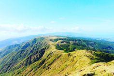 The highest point on the island of São Miguel 🗻  #azores #hiking #hikingtrail #azoresislands #loveazores #saomiguel #cardio #ocean #nature #love #green #mountain #loveazores #landscape #active #fit #photooftheday #picoftheday #shareazores #iloveazores #hikevibes #health #bestplacetogo #beautifuldestinations #kthandmadedesign #travel #worldtraveler #extraordinaryexplorer #royalcarribeanuk