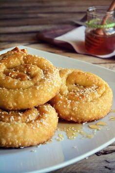 Greek Sweets, Greek Desserts, Greek Recipes, Wine Recipes, Cooking Recipes, Finger Food Appetizers, Appetizer Recipes, Greek Cake, Cookie Dough Pie