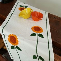 Stamperia Bertozzi Italian Table Runner linen Sunflowers print hand-made and hand printed by italian artisan Italian Table, Sunflower Print, Sunflowers, Table Runners, Artisan, Prints, Handmade, Hand Made, Craftsman
