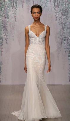 Wanna learn more about Monique Lhuillier and get a sneak peek at the collection? Check out our latest blog about this incredible designer! http://www.lelite.com/monique-lhuillier-bridal/ #moniquelhuiller #wedding #bridalgown #trunkshow #boston #glam #designerbridal #designerweddinggowns #designerbridal #love
