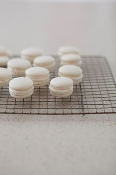 How to Make Macarons - Step by Step - Everyday Annie