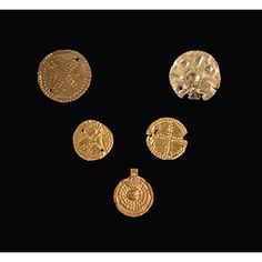 Gruppo di cinque borchie etrusche in oro V - ...