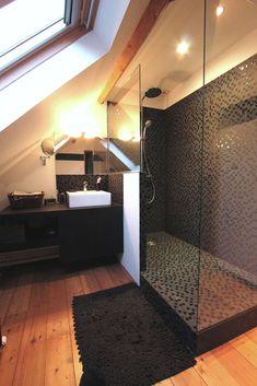 Besoin de conseils pour aménager une toute petite salle de bain ? Voici des idées d'agencement petit espace pour vous aider dans vos choix. Petites surface
