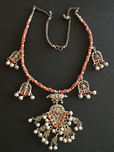 Yemen | Silver  and red coral necklace. | © Jose M Pery.