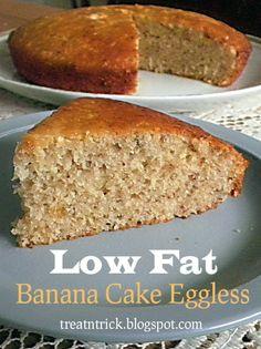 Low Fat Banana Cake Eggless @ treatntrick.blogspot.com