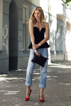 boyfriend jeans, feminine peplum and pointed pumps