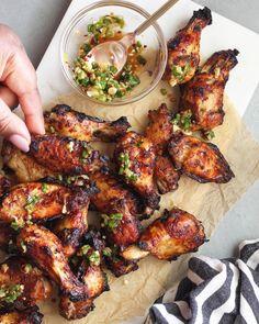 Garlic Chili Chicken Wings Garlic Chicken Wings, Air Fryer Chicken Wings, Chiken Wings, Happy Diet, Eat Happy, Entree Recipes, Cooking Recipes, Healthy Recipes, Keto Recipes